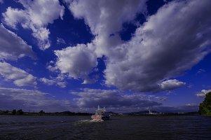 사문진 나루터에 유람선이 떠다니는 너무 아름다운 풍경에 넔을 잃다.