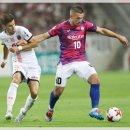 일본축구중계 이니에스타와 토레스를 가지다