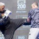 마크 헌트, UFC는 약물러들을 밀어준다.