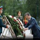 문재인 러시아 무명용사의 묘 헌화하다(20180621)