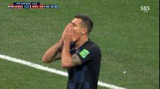 [영상][크로아티아:덴마크] 로브렌, 날카로운 프리킥 이은 헤더!..골문 벗어난 슈팅